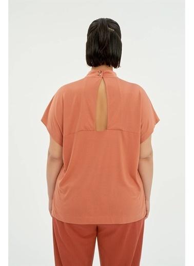 Luokk Clarke Sırt Dekolte Detaylı Dik Yaka Bluz Yavruağzı Mercan